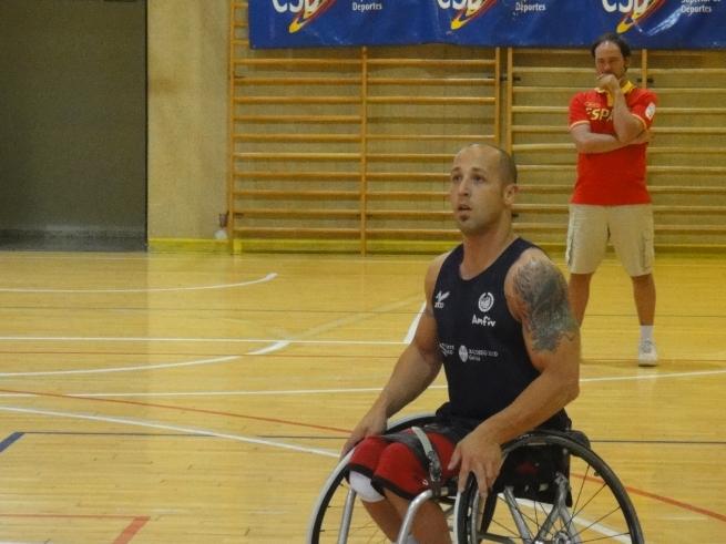 Baloncesto en silla de ruedas puertatr s - Baloncesto silla de ruedas ...